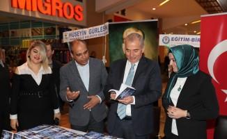 Başkan Zolan 'Duygu Seli' kitabının tanıtım etkinliğine katıldı