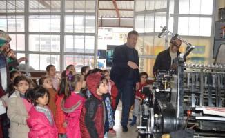 Besni'de anaokulu öğrencilerine uygulamalı meslek tanıtımı