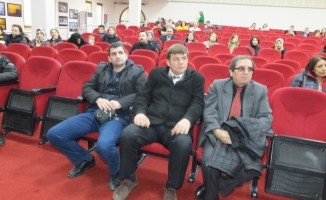 Burhaniye'de internet bağımlığı konferansı