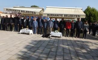 Burhaniye'de Öğretmenler Mahallesi Parkı törenle açıldı