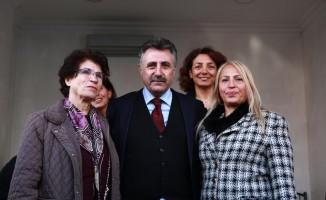 CHP'li Sandal kadın kolları ile buluştu