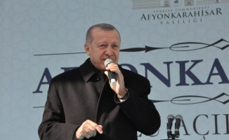 """Cumhurbaşkanı Erdoğan: """"CHP, milletimizi PKK ile tehdit edenlerin desteğine bel bağlamış bir zihniyetin işgali altındadır"""""""