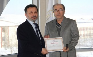 DPÜ'den üniversiteye katkı sağlayan kişi ve kurumlara teşekkür belgesi