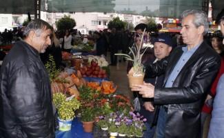 Dülgeroğlu halk pazarında talepleri dinledi