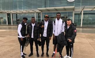 Elazığspor 20 futbolcuyla Balıkesir'e gitti