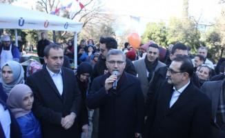 Enerji Bakanı Dönmez Üsküdar'da çorba dağıttı