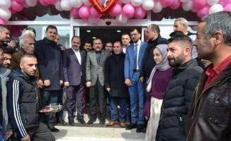 Erciş'te mağaza açılışı