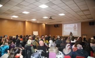'Etkili İletişim ve Nezaket Kuralları' konulu konferans gerçekleşti