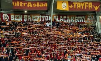 Galatasaray taraftarları deplasmanda yalnız bırakmadı