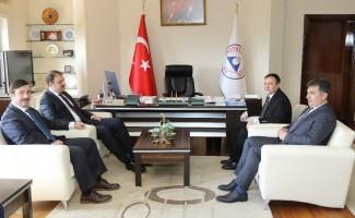 Gençlik ve Spor Bakan Yardımcısı Aksu'dan ERÜ Rektörü Çalış'a Ziyaret