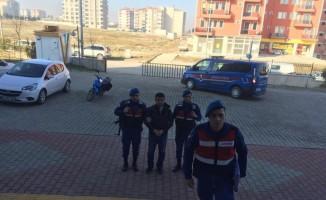 Göçmen kaçakçısı tutuklandı