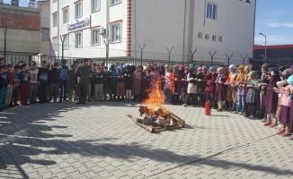 Gölbaşı İmam Hatip Ortaokulunda yangın tatbikatı