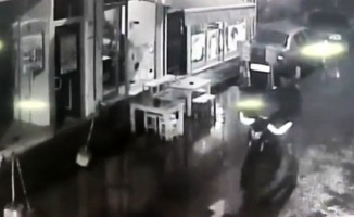Hırsızlık anı kameralara yansıyan zanlı savcılıkça serbest bırakıldı