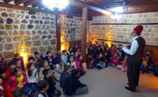 Kahramanmaraş'ta öğrenciler tarihi yerinde öğreniyor