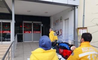 Karamürsel'de otomobil motosikletle çarpıştı: 1 yaralı