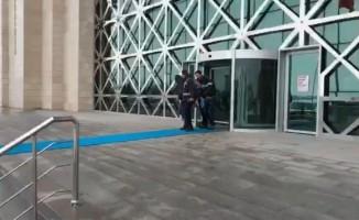 Kars'ta kombi hırsızları son işlerinde yakalandı