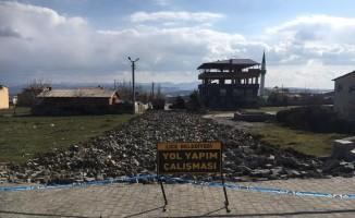 Lice Belediyesi yolların bakım ve onarımına devam ediyor