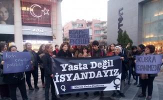 Mersin'de kadınlar 'cinayetlere' tepki gösterdi
