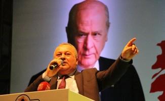 """MHP'li Enginyurt: """"1 Nisan günü Trump tweet atmak için fırsat kolluyor"""""""