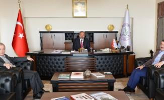 Milletvekilleri Rektör Çufalı ile bir araya geldi