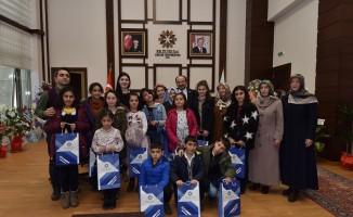 Nene Hatun Çocuk Evleri Sitesi Çocuklarından Rektör Çakmak'a ziyaret