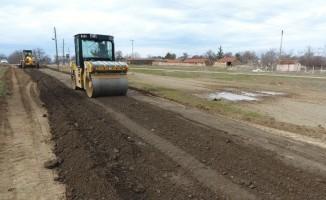 Odunpazarı Belediyesi köylerde yol çalışmalarını aralıksız sürdürüyor