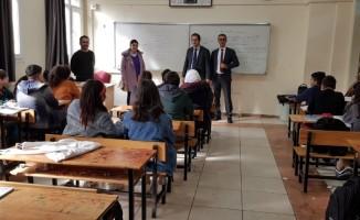 Öğrenciler, İŞKUR ile meslekleri öğreniyor