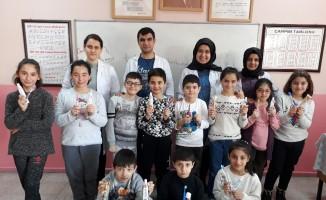 Öğrencilere ağız ve diş sağlığı farkındalık eğitimi verildi