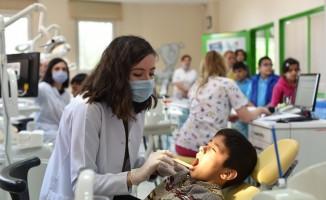 On binlerce çocuk sağlıkla gülümsüyor