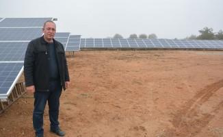 (Özel haber) Girişimci muhtar köyüne güneş enerjisi sistemi kurdurdu