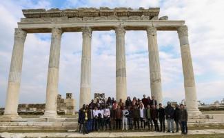 PAÜ'de öğrenim gören yabancı öğrenciler antik şehirleri gezdi