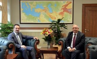 Sakarya Valisi Nayir ile Bilecik Valisi Şentürk bir araya geldi