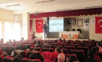 Sandıklı'da öğrencilere 'İyi Dersler Şoför Amca' eğitimi verildi