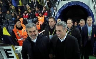 Spor Toto Süper Lig: Fenerbahçe: 0 - A.Konyaspor: 0 (Maç devam ediyor)