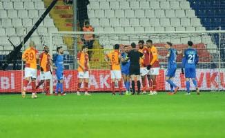 Spor Toto Süper Lig: Kasımpaşa: 1 - Galatasaray: 2 (İlk yarı)