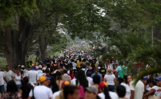 Tartışmalı 'Venezuela Yardım Konseri' başladı