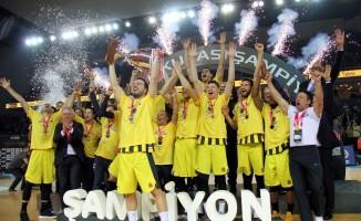 TBF Erkekler Türkiye Kupası şampiyonu Fenerbahçe Beko oldu