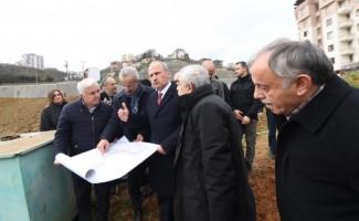 Ulaştırma ve Altyapı Bakanı Turhan, yapımı süren Kanuni Bulvarı'nda incelemelerde bulundu