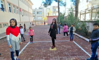 Üniversiteli öğrencilerden minikler için eğitici proje uygulaması