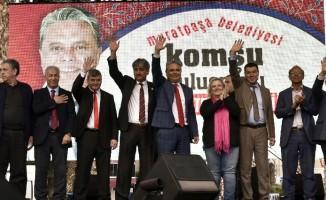 """Uysal: """" """"Muratpaşa'da bütün insanlarımızı kucaklamak bizin görevimiz """""""