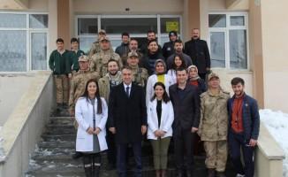 Vali Çağatay'dan asker ve öğrencilere ziyaret