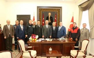 """Vali Seymenoğlu:  """"112 Acil Çağrı Merkezini gereksiz yere meşgul etmeyelim"""""""