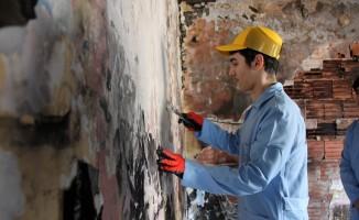 Yalova'da yanan evi öğrenciler onaracak