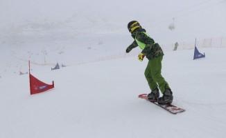 Yıldız Dağı'nda snowboard heyecanı başladı
