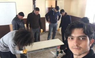 Yıldız Teknik Üniversitesi öğrencileri sınırdaki okulu onardı