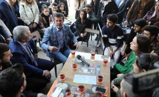"""Zeybekci: """"İzmir'i siz kurtaracaksınız, biz hizmet edeceğiz"""""""