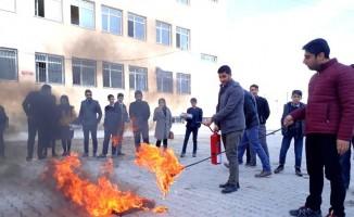 Başkale'de yangın eğitimi ve tatbikatı