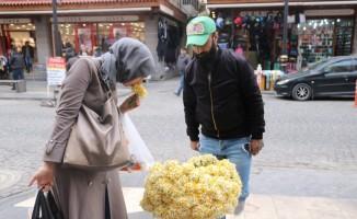 Diyarbakır sokakları nergis çiçeği kokmaya başladı