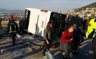 Öğrencileri taşıyan otobüs kaza yaptı: 48 yaralı