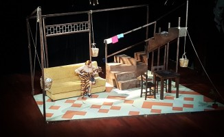 Oyuncu Dolunay Soysert, Kadınlar Günü için sahnede